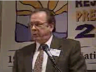 Bob Minton speaking at the CULTInfo 1999 conference. Picture is copyright 1999 by CULTInfo